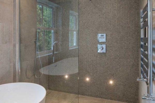 Bathroom_4-683x1024